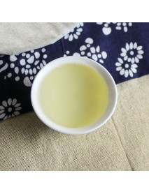 té blanco aguja de plata